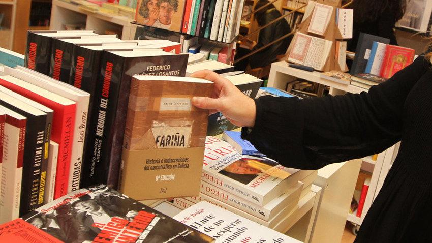 El libro  Fariña  se agota en las librerías gallegas y ya hay reservas ante 8567904caaa