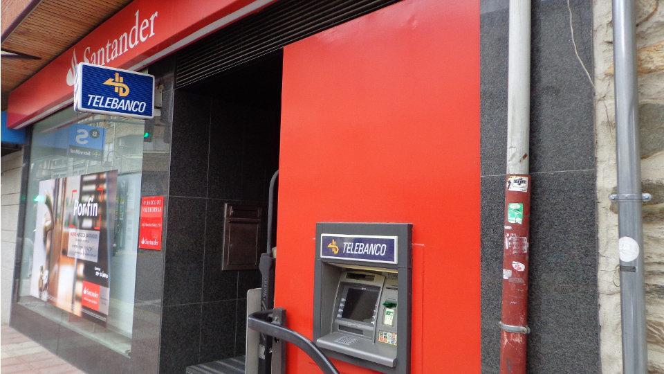 El banco santander y los sindicatos suscriben el ere que for Oficina empleo santander